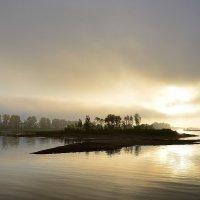 Осенний рассвет :: Валерий Рыжов