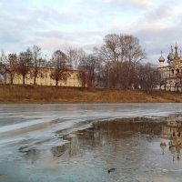 Первый лед на реке :: Татьяна Копосова