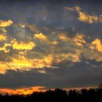 Причуды небес последнего рассвета октября...3 :: Андрей Войцехов