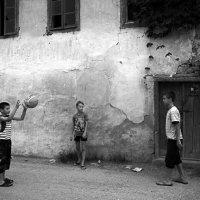 игра в мяч :: Юрий Данилевский
