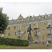 Вниз по улице :: Евгений Гудименко