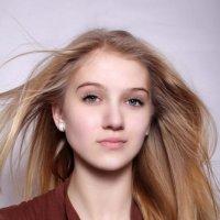 Юная... но дерзкая! :: Виктория Целуйко