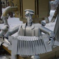 Суксун. Памятник самовару :: Сергей Комков