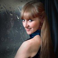 Девушка у окна :: Александр Гиренко