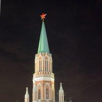 Никольская башня Кремля :: Павел Чекалов