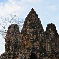 Южные ворота Ангкора Тома :: Anna Kashkovskaya