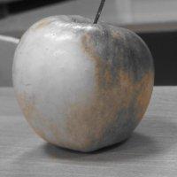 Акцентированное яблоко :: Оксана Непоспехова