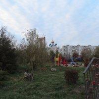 Осень,храм,парк в городе... :: Тамара (st.tamara)