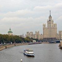 Высотка на Котельнической набережной :: Сергей Фомичев