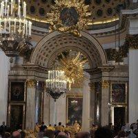 В Свято-Троицком соборе Александро-Невской лавры :: Елена Смолова