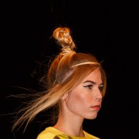 Показ мод в Гостином дворе. Новая коллекция одежды модельера Елены Шипиловой (12) :: Николай Ефремов