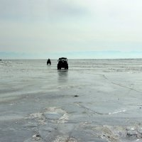 По льду Байкала... :: Оксана Н
