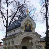 Мемориал князя Дмитрия  Пожарского в Суздале :: Galina Leskova