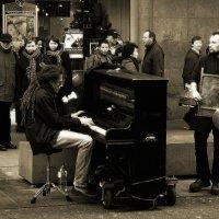 Антверпен. Торговая улица. 2008 г :: Николай Семёнов