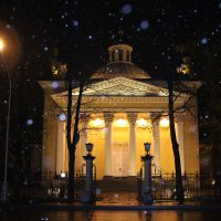 Прогулка по вечернему городу.. :: Tatiana Markova