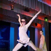 Время танцев :: Ксения Заводчикова