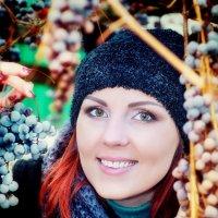 ♥♥♥ Нютка и виноградик ♥♥♥ :: Alex Lipchansky