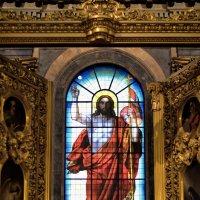 Витраж «Воскресший Христос» :: Александр Клименко