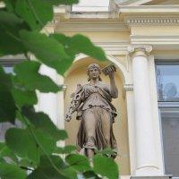 Статуя на Главпочтампе :: Яна Чепик
