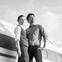 Небо, самолеты и Ян с Таней - черно-белое кино :) :: Александр Горбачев