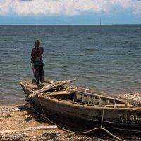 Человек и море :: Надежда Попова