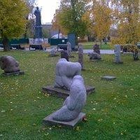 Скульптуры в парке при ЦДХ. :: Мила