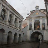 Надвратная церковь Божей Матери :: Gennadiy Karasev