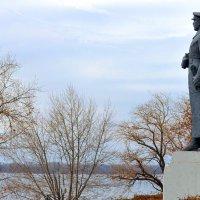 Памятник Ворошилову. :: Анатолий
