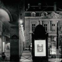 улица, фонарь, реклама :: Vladimir Zhavoronkov