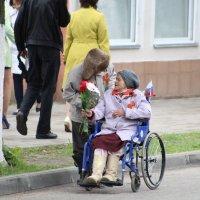 """""""С праздником, милая!"""" :: Дмитрий Иншин"""