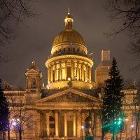 Вечерний город :: Михаил Ильяшевич
