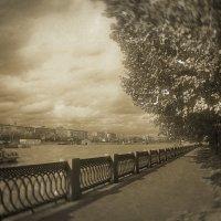 Фрунзенская набережная, Москва река :: Борис Соловьев