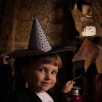 Фея-ведьмочка на хеллоуине :: Елена Андреева