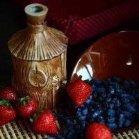 Поспели ягоды :: Юлия