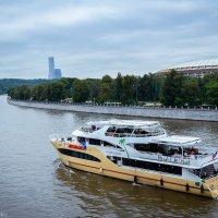 по Москве-реке :: Дмитрий Крыжановский