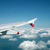 Мчатся самолёты выше облаков :: Natalia Harries