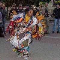А вот и танцы... :: ФотоЛюбка *