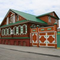 Красивый домик в городе :: Damir Si
