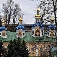 Успенский Собор Псково-Печерского монастыря. :: Виктор Евстратов