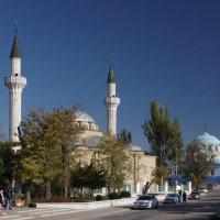 Мечеть Джума-Джами и Свято-Никольский собор. :: Ирина Нафаня