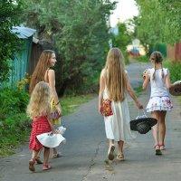 Идём фотаться на поле! Реквизит берём с собой! :: Ирина Данилова