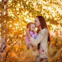 Мамин поцелуй самый теплый и самый нежный :: Юлия Пономарева
