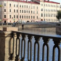 Присядем немножко. Ограда,мостик,перспектива и одна треть.- Снято! :: Владимир Гилясев