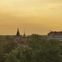 Церквушка в городском посёлке :: Светлана З