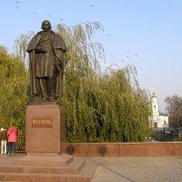 Город-курорт Миргород. Памятник Н. В. Гоголю. :: Елена Збрицкая