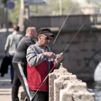 Рыбалка на Фонтанке :: Сергей Григорьев