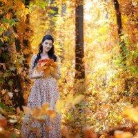 Девушка-осень :: Татьяна