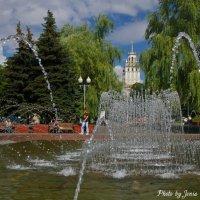 У фонтана :: Евгений Лимонтов