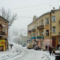 Снегопад в старом городе. :: Николай Сидаш
