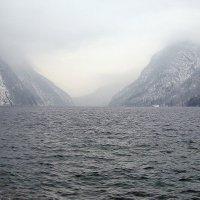Безмолвие ледникового озера :: tamara *****